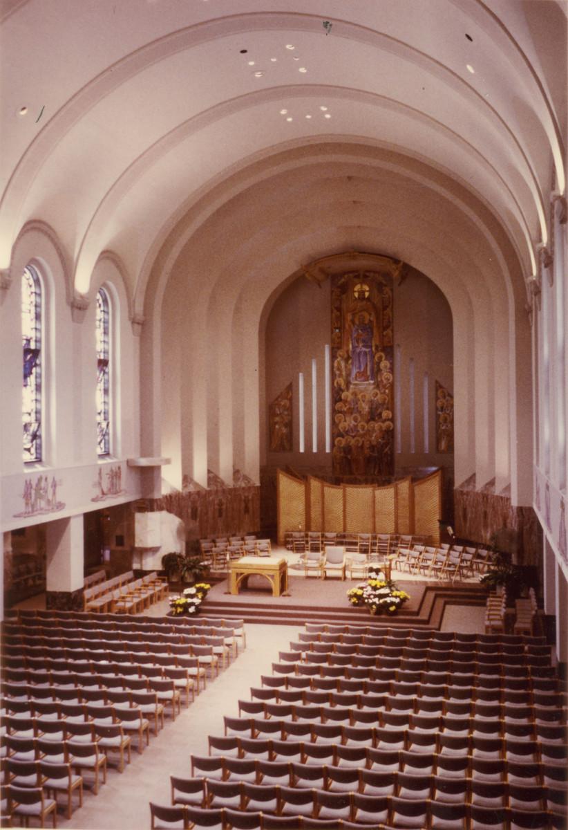 002_ madonna_della_strada_chapel_interior_after_1986_renovation.jpg