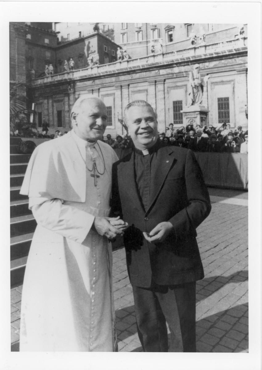Pope John Paul II and Father Raymond Baumhart