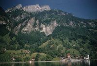 80_Lake-Lucerne-Bauen-on-way-to-Fluelen.jpg